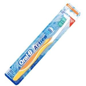 Oral-B 3D White - White Fresh 35 Toothbrush